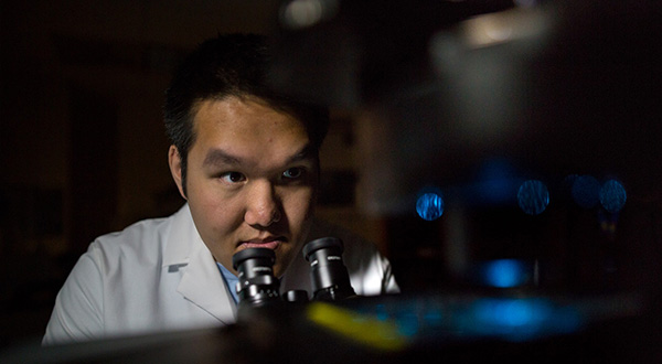 Senior, Alex Kong is pharmaceutical sciences major who, as an undergraduate, did research in both in the Kansas Vaccine Institute with Wendy Picking, and also with Jeff Krise in the Krise Lab.
